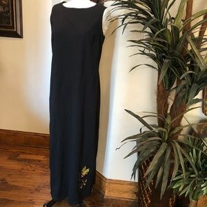 Water pallets size extra large full length dress.